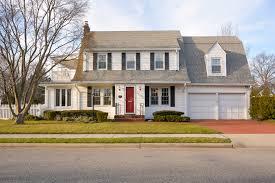 plain-white-house